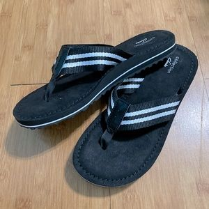 CLARKS BLACK SANDALS SZ 7 size 7 Clark's sandals
